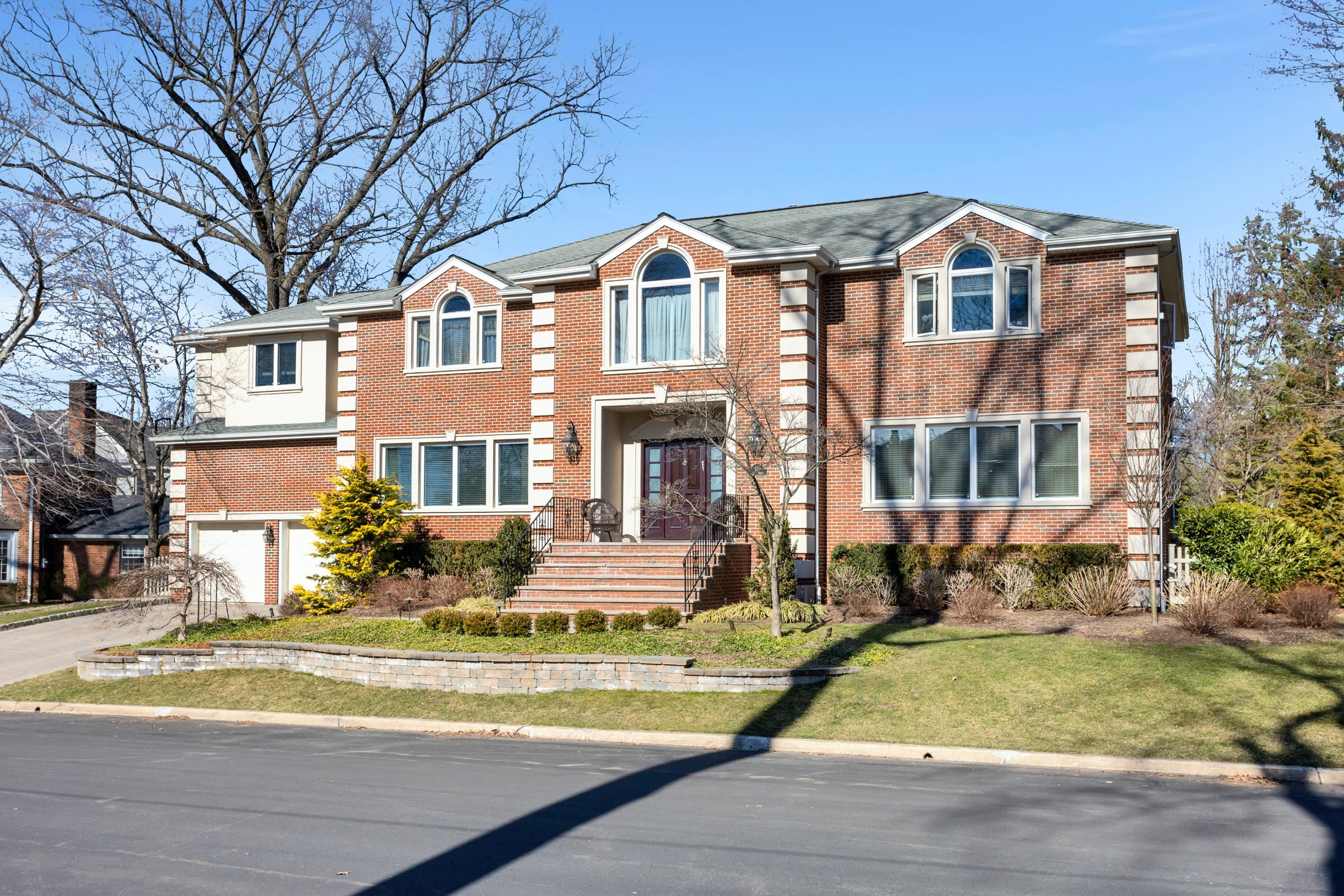 565 S Forest Drive – Teaneck