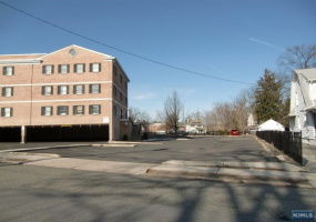61 Maple Avenue, New Jersey 07450, ,Commercial,For sale,Maple,1724868